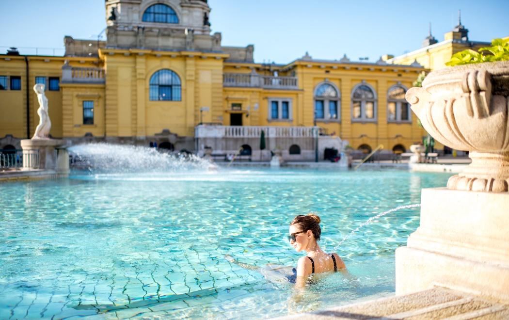 bain thermal széchenyi exterieur