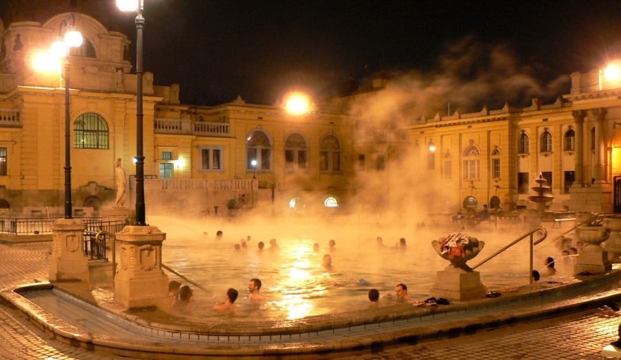 széchenyi thermal bath at night