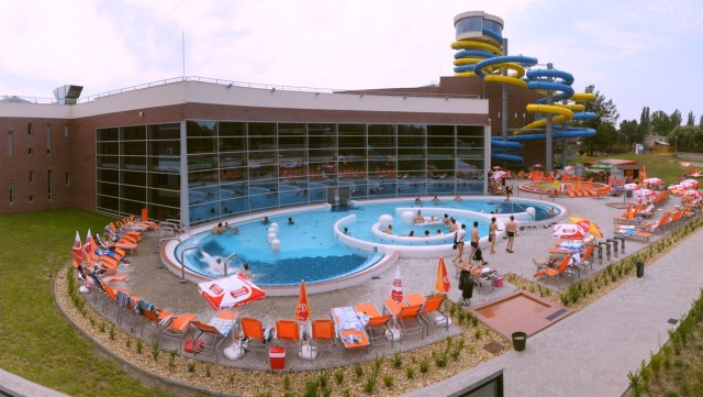 Szeged thermal bath and swimming pool
